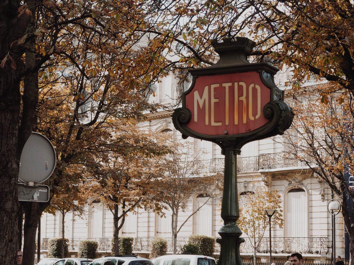 I ❤️ Paris! (Fandango's FridayFlashback)